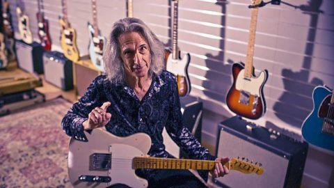 On Guitar... Lenny Kaye!